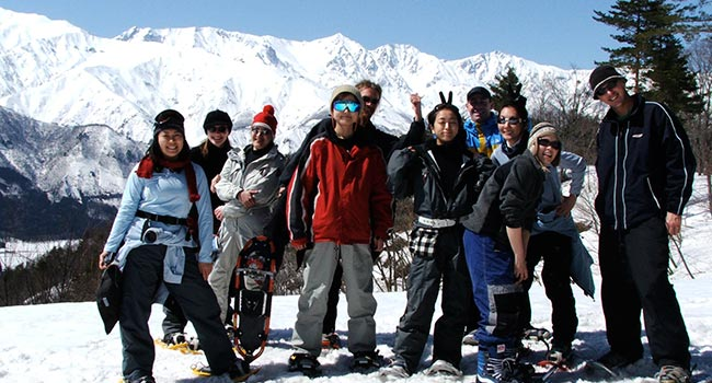 group snowshoe tours in hakuba